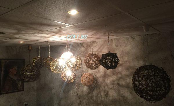 светильник на потолок плетёный шар